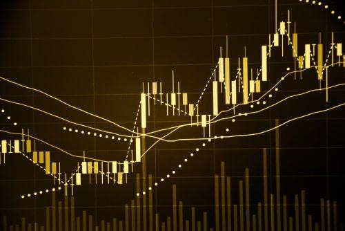 De prijs van goud stabiliseerde doordat de jaarlijkse basisuitgaven voor persoonlijke consumptie in de VS in april de verwachtingen overtroffen