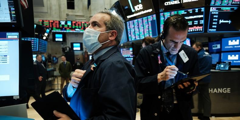 S&P 500 zweeft in de buurt van recordniveaus terwijl economisch optimisme aanhoudt en steun van de Fed |  Valutanieuws |  Financieel en zakelijk nieuws