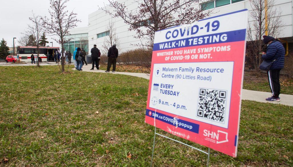 Ontario vestigt nieuw vaccinatierecord, meldt minder dan 400 nieuwe gevallen van COVID-19