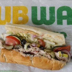 Subway reageert op de controverse rond het broodje tonijn