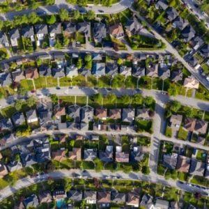 De mediane prijs van Canadese huizen is jaar op jaar met 38% gestegen, maar lager dan in maart
