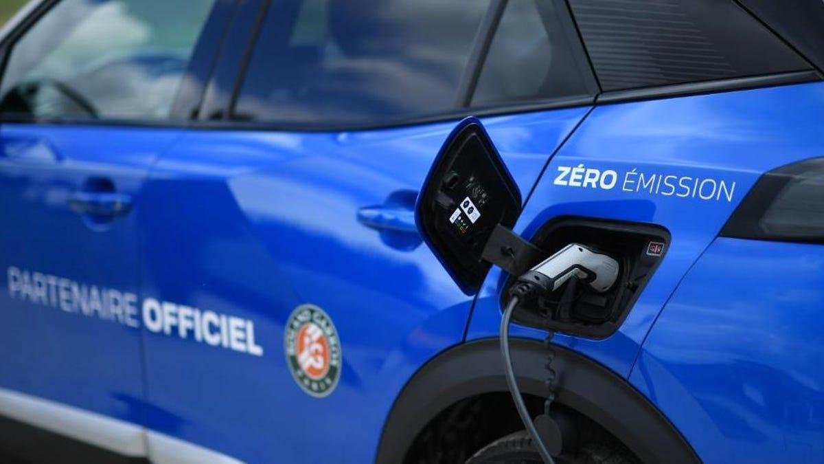 Een enorme groei van de verkoop van elektrische auto's in Europa weerspiegelt de nieuwe trend in de uitstoot van auto's