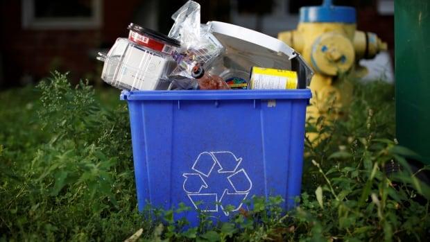 Ontario voltooit plannen om blue box-programma te hervormen