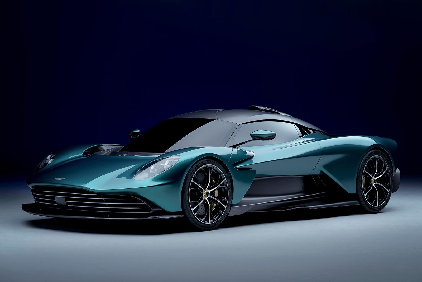 Aston Martin's Valhalla Hybrid Supercar hint naar de toekomst van elektrische auto's