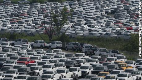 Het enorme tekort aan Amerikaanse auto's zal pas over maanden eindigen