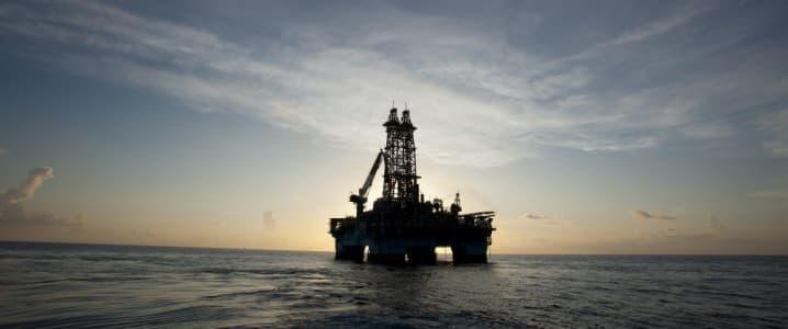 Olieprijzen dalen doordat OPEC besluit uitstelt