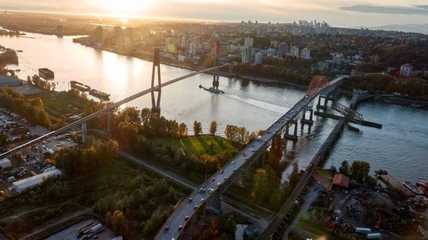 Reparaties aan de Skytrain-brug betekenen volgende maand vertragingen tussen Surrey en New Westminster