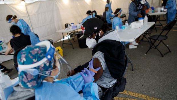 Waar vind je een pop-up kliniek voor coronavirusvaccin in Toronto op 10 juli 2021?