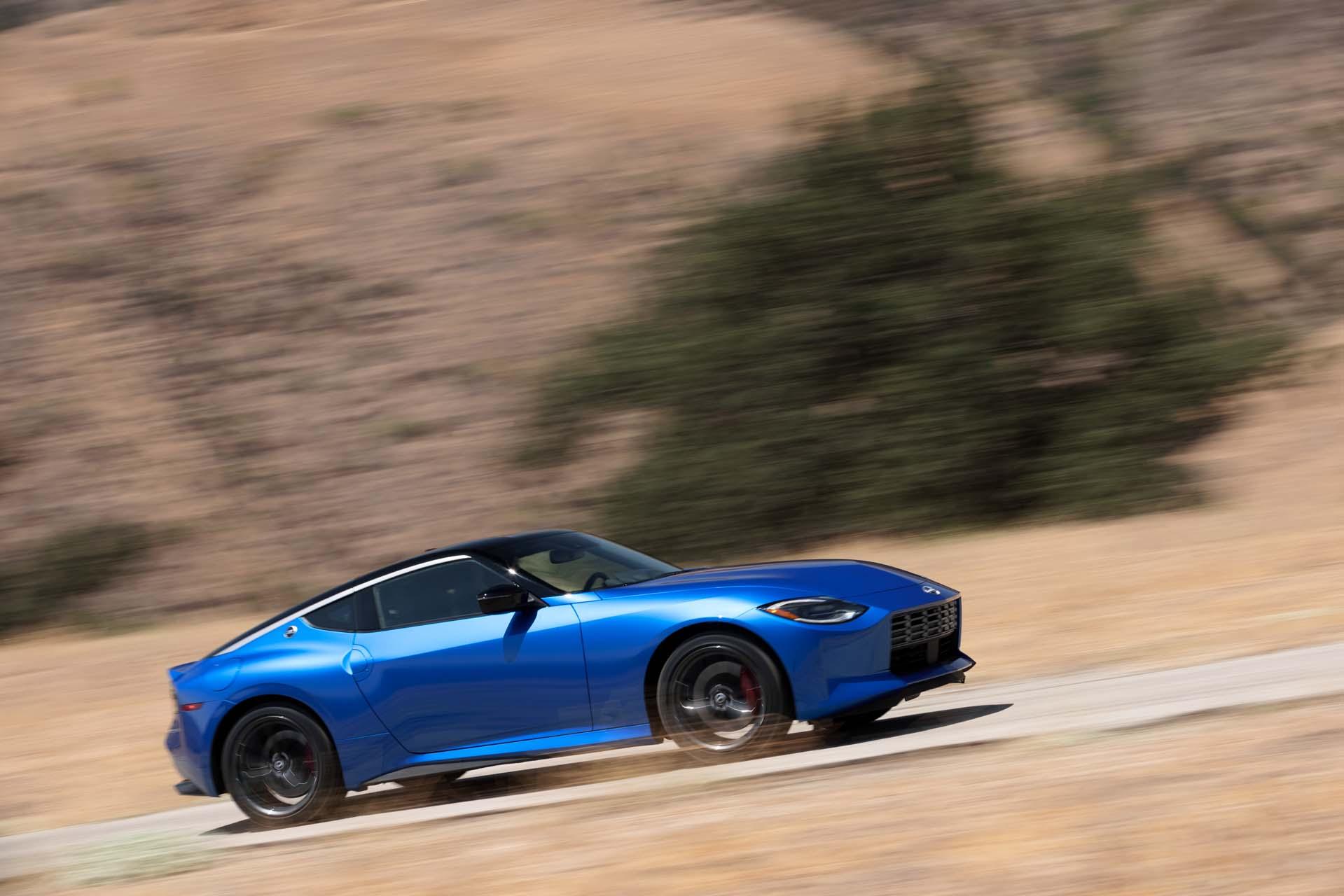 2023 Nissan Z bereikt 400 pk, retrostijl, optioneel blauw of rood interieur