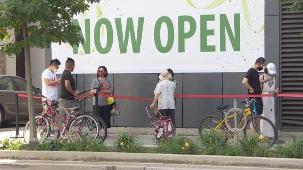 Inwoners van Chinatown maken zich zorgen dat de nieuwe supermarkten bedrijven wegtrekken van lokale kruideniers