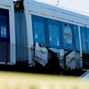 Er is een externe deskundige geselecteerd om de uiteindelijke terugkeer van de LRT in gebruik te nemen