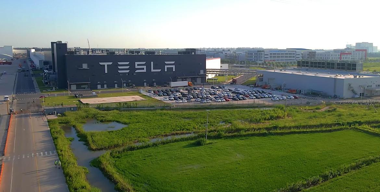 Tesla klaagt man aan voor $ 650.000 wegens laster na het winnen van $ 150.000 van autofabrikant