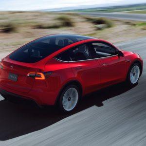 Tesla bereikt snelheid met zelfrijdende software