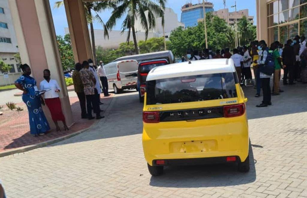 Wuling HongGuang Mini EV verlicht de show op de eerste e-mobiliteitsconferentie van Ghana